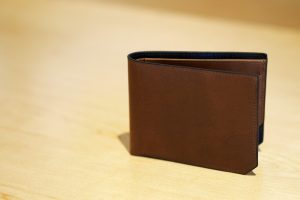 please don't keep these 7 things in your wallet
